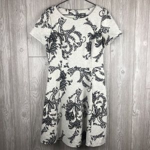 Vince Camuto Gray Floral Fit N Flare Dress 10 B3